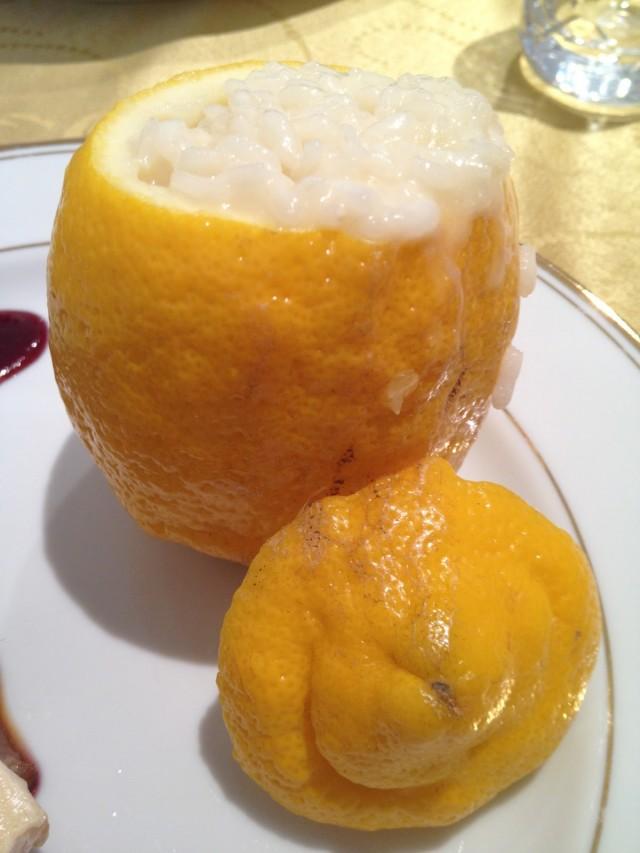Risoto de limão dentro do limão