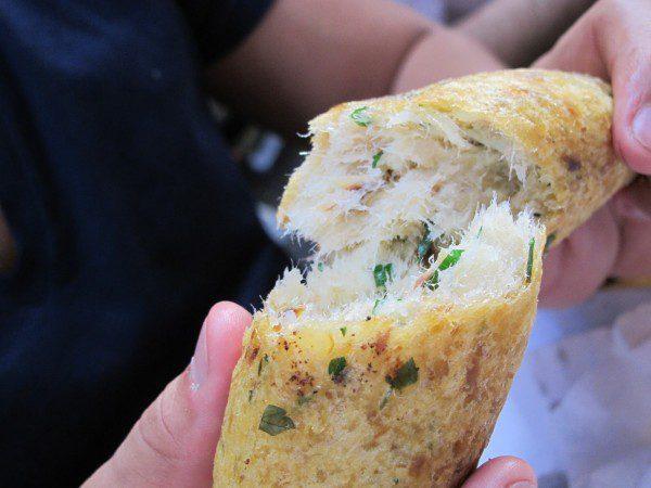 bolinho-bacalhau-do-pao-ao-caviar