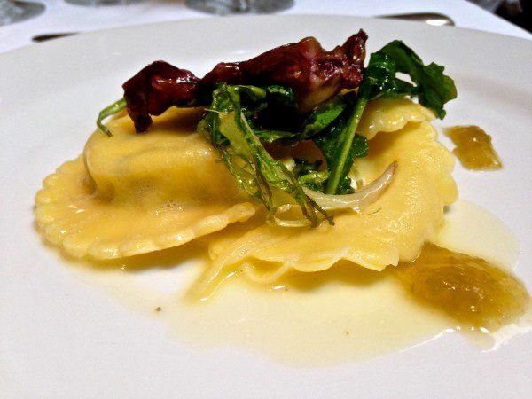 ravioli-queijo-cabra-brunch-emiliano