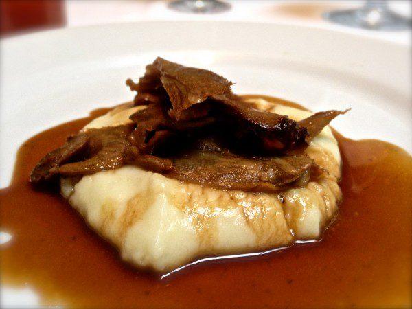 pernil-cabrito-alho-assado-brunch-emiliano