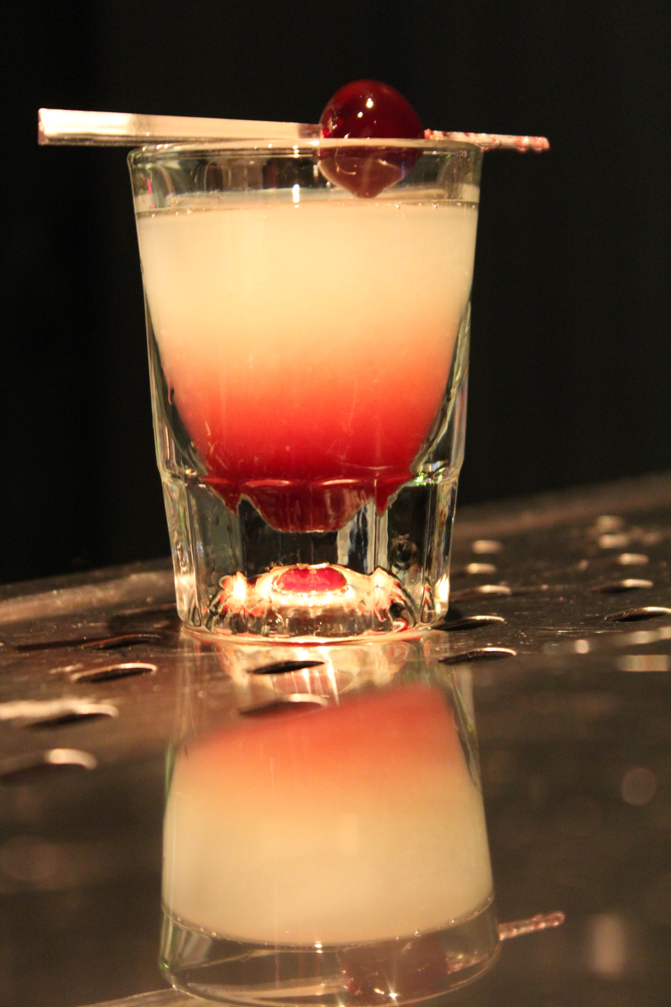 Bar. – Bar delicioso para comer, beber e ouvir música